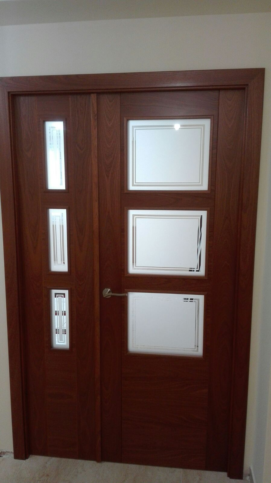 Puerta blanca con cristal simple puerta corredera cristal - Cristal puerta salon ...